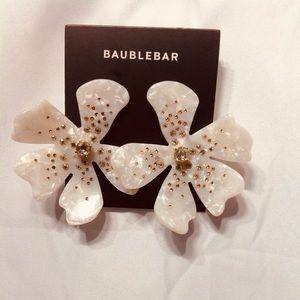 NWT. BAUBLE-BAR Paria Raesin Flower Drop Earings